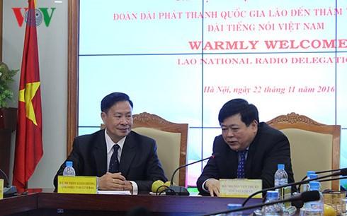 Impulser la coopération entre la VOV et la radio nationale du Laos - ảnh 1