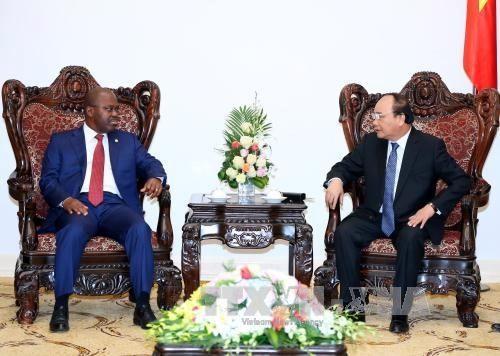 Le Premier ministre reçoit le ministre mozambicain de l'Intérieur - ảnh 1