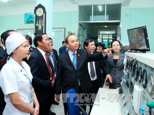 Le Premier ministre travaille avec l'Institut de médecine maritime - ảnh 1