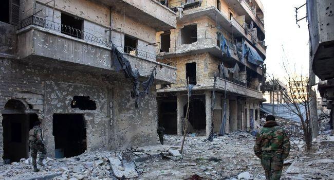 Les rebelles lâchent pied à Alep, les civils désespérés - ảnh 1