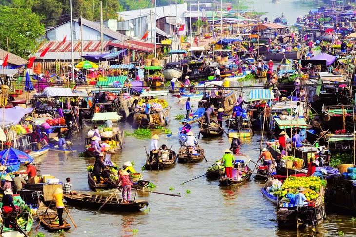 Les marchés multicolores du Vietnam - ảnh 4