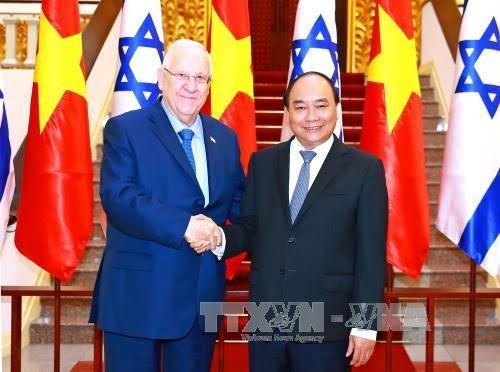Les dirigeants vietnamiens reçoivent le président israélien - ảnh 1
