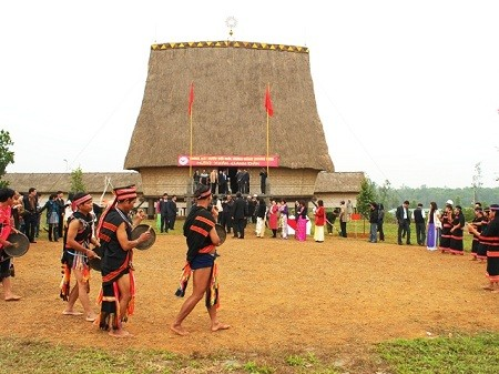 Le Village culturel et touristique des ethnies vietnamiennes - ảnh 3