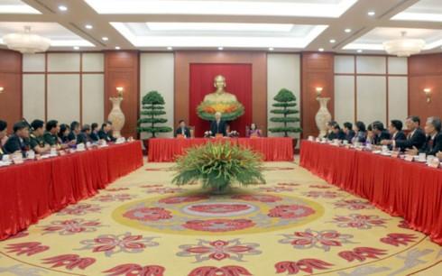 """""""Gloire au Vietnam"""": 30 individus et collectifs honorés   - ảnh 2"""
