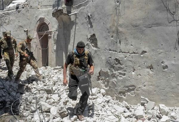Irak: l'armée reprend la moitié de la vieille ville de Mossoul à l'EI - ảnh 1