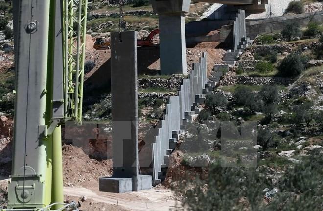 Cisjordanie: Israël achève la construction d'un nouveau tronçon du mur de séparation - ảnh 1