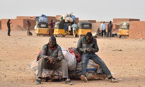 Niger : plus de 1000 migrants secourus dans le désert par l'OIM depuis le mois d'avril - ảnh 1