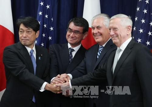 Les Etats-Unis et le Japon renforcent leur coopération militaire face à la menace nord-coréenne - ảnh 1