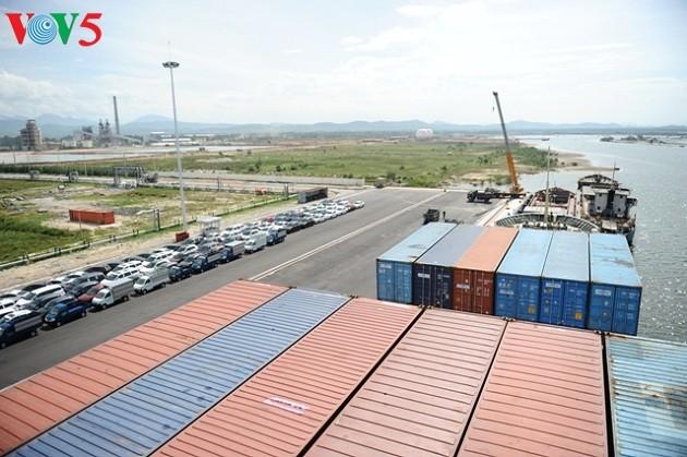 Le port de Chu Lai-  le centre logistique du Centre - ảnh 2