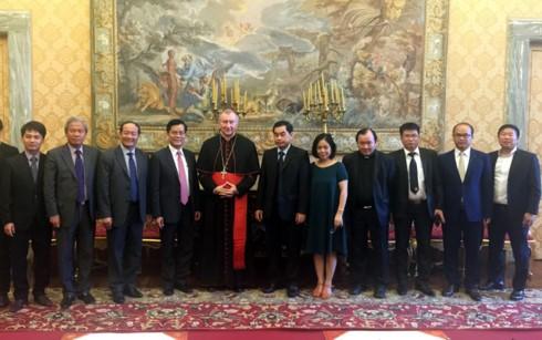 Une délégation du Vietnam au Vatican - ảnh 1