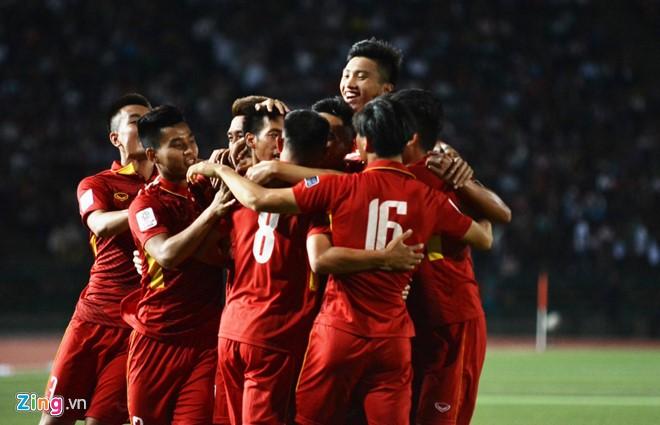 Coupe d'Asie 2019: l'équipe vietnamienne vainc celle cambodgienne - ảnh 1
