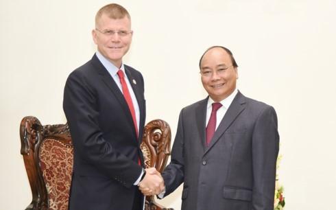 Un vice-président de la BAD reçu par le Premier ministre Nguyen Xuan Phuc - ảnh 1