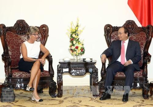 Nguyen Xuan Phuc reçoit l'ambassadrice espagnole - ảnh 1
