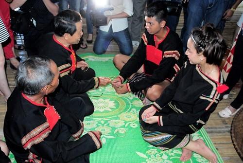 Le «Juê nuê», une pratique conjugale originale des Ede - ảnh 1