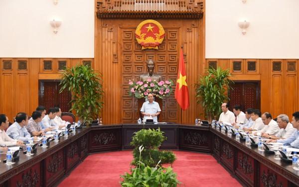 Nguyen Xuan Phuc travaille avec les responsables du PVN - ảnh 1