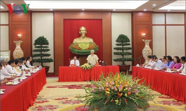 Nguyen Phu Trong rencontre des agriculteurs exemplaires - ảnh 1