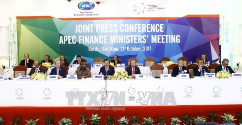 Conférence de presse sur les résultats de la conférence des ministres des Finances de l'APEC - ảnh 1