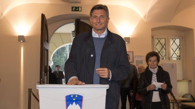 Slovénie. Le président Borut Pahor obtient 47% au premier tour - ảnh 1