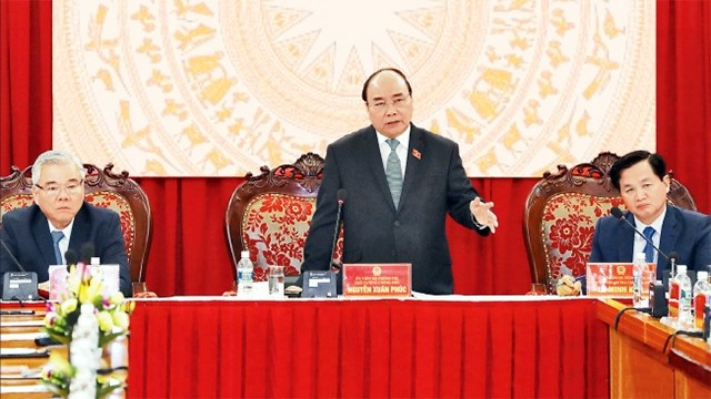 Nguyen Xuan Phuc travaille avec l'inspection gouvernementale - ảnh 1