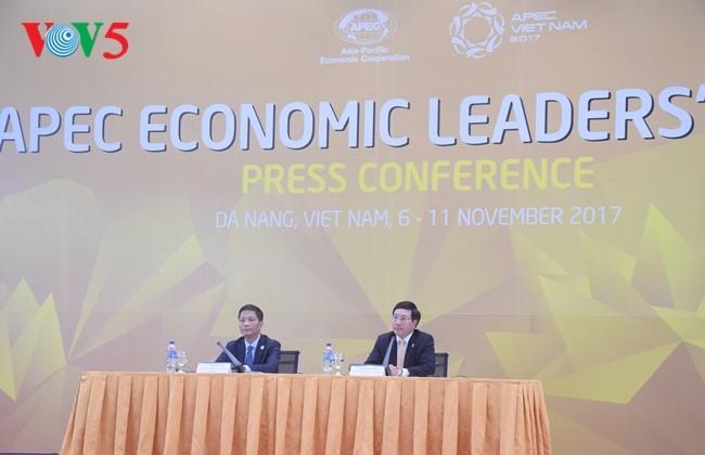 APEC : Les ministres des Affaires étrangères et de l'Economie adoptent 4 documents importants - ảnh 1