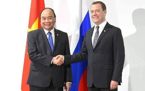Nguyen Xuan Phuc rencontre le Premier ministre russe et le président philippin - ảnh 1