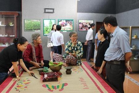Exposition sur la coutume du bétel des ethnies vietnamiennes - ảnh 1