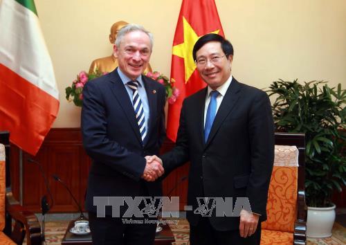 Le Vietnam souhaite envoyer plus d'étudiants en Irlande - ảnh 1