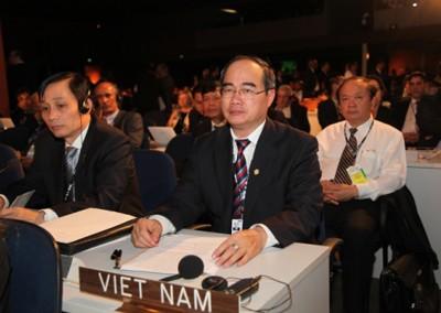 ឧបនាយករដ្ឋមន្ត្រី Nguyen Thien Nhan  ចូលរួមពិធីបើកសន្និសីទ Rio+20  - ảnh 1