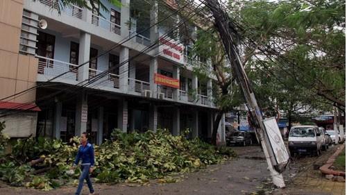 ខ្យល់ព្យុះ Haiyan បានធ្វើឲ្យមនុស្សចំនួន១៨នាក់ត្រូវស្លាប់និង៨១នាក់រងរបួស - ảnh 1