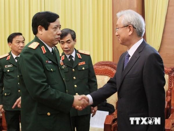 នាយឧត្តមសេនីយ៍ Phung Quang Thanh ទទួលជួបសន្ទនាជាមួយឯកអគ្គរដ្ឋទូតកូរ៉េខាងត្បូង - ảnh 1