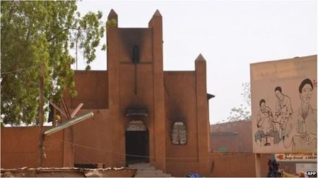 វិហារកាតូលិកចំនួន ៤៥ នៅប្រទេស Niger ត្រូវបានដុតដោយជនឥស្លាម - ảnh 1