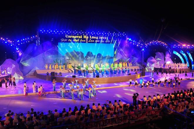 សម្រស់ឆើតឆាយក្នុងពិធីបុណ្យ Carnaval Ha Long ២០១៥ - ảnh 5