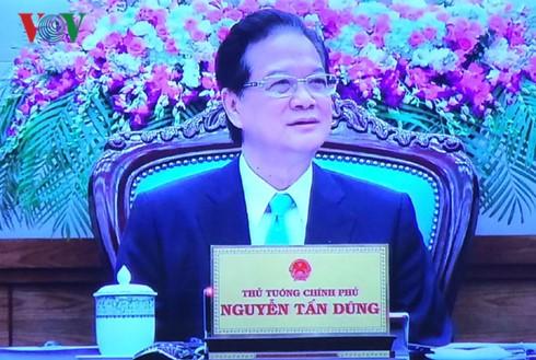 នាយករដ្ឋមន្ត្រី Nguyen Tan Dung ធ្វើជាអធិបតីសម័យប្រជុំប្រចាំខែមិនា - ảnh 1