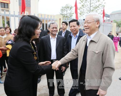 អគ្គលេខាបក្ស លោក Nguyen Phu Trong ចូលរួមទិវាមហាសាមគ្គីជាតិទាំងមូលនៅខេត្ត Bac Ninh - ảnh 1