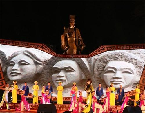 """ប្រារព្ធកម្មវិធី """"Quang Binh ក្នុងបេះដូងហាណូយ"""" - ảnh 1"""