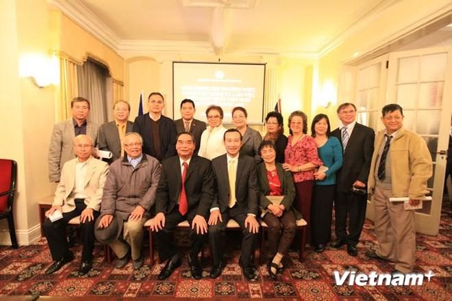 Đoàn đại biểu Đảng Cộng sản Việt Nam thăm, làm việc tại Anh  - ảnh 1