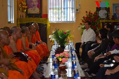 Nguyên Chủ tịch nước Nguyễn Minh Triết thăm tỉnh Sóc Trăng - ảnh 1