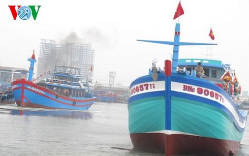 Hạ thủy tàu cá thay thế tàu cá bị tàu Trung Quốc đâm chìm  - ảnh 1