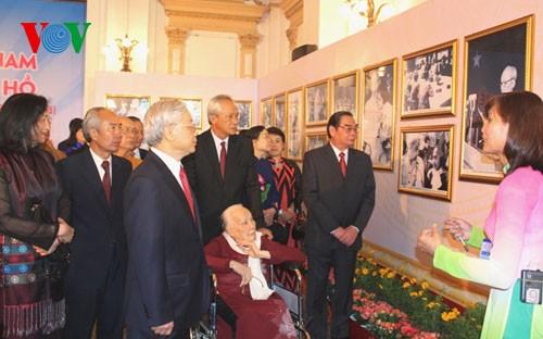 Tổng Bí thư dự Lễ khánh thành Tượng đài Chủ tịch Hồ Chí Minh tại Thành phố Hồ Chí Minh  - ảnh 2
