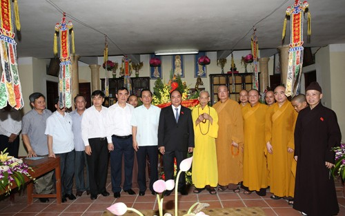 Đảng, Nhà nước Việt Nam luôn tôn trọng và bảo đảm quyền tự do tín ngưỡng, tôn giáo của nhân dân - ảnh 1
