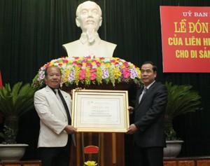 """Hòa Bình đón nhận Bằng bảo trợ Di sản văn hóa """"Mo Mường Hòa Bình""""  - ảnh 1"""