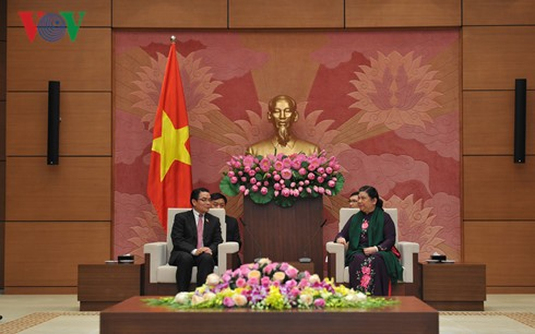 NA Vice Chair receives Laos–Vietnam Friendship Association - ảnh 1