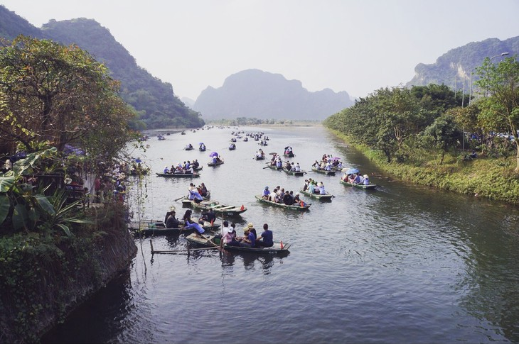 A journey to Bai Dinh Complex and Trang An Ecological Tourism Site - ảnh 7