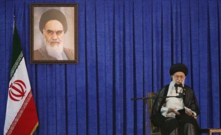 Iran's supreme leader criticizes unfriendly US policy - ảnh 1