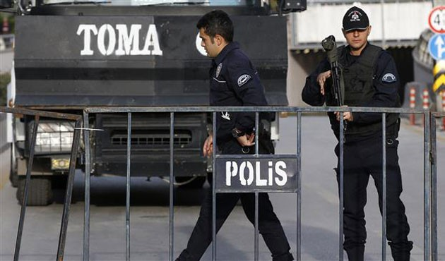 Turkey detains over 2,500 for illegal border crossings  - ảnh 1
