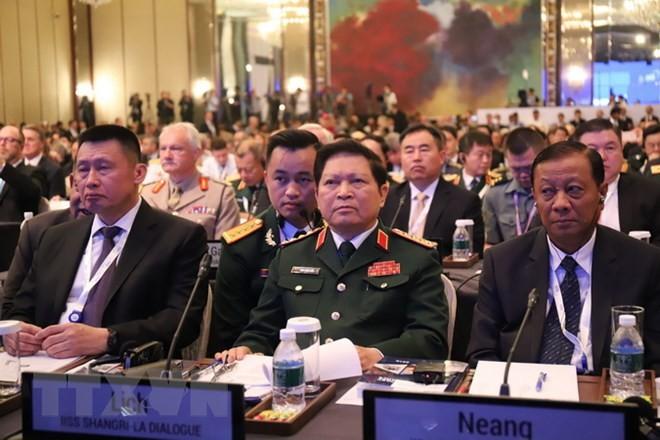 Shang-ri La Dialogue 2018: Vietnam seeks defense ties with Australia, France, Japan - ảnh 1