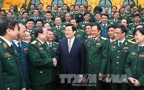 Президент СРВ Чыонг Тан Шанг встретился с лучшими агитаторами вооруженных сил страны - ảnh 1