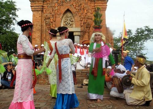 В провинции Биньтхуан проходит праздник Катэ-2016 - ảnh 1