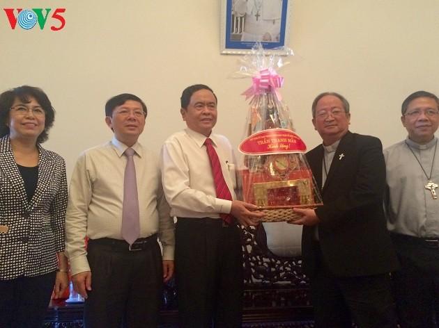 Верующие разных религий во Вьетнаме вносят вклад в строительство страны - ảnh 1