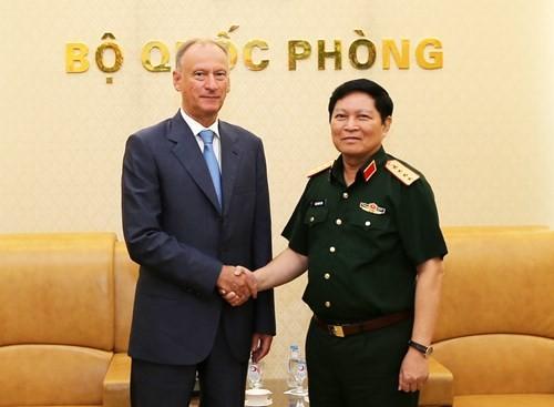 Генерал Нго Суан Лить принял секретаря Совета безопасности РФ Николая Патрушева - ảnh 1